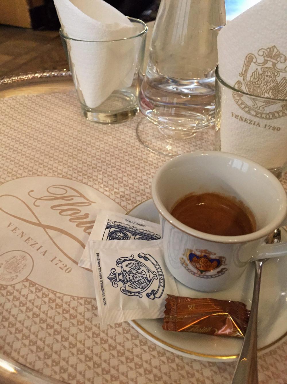 เอสเปรสโซเข้มข้นที่ FLORIAN Coffee House.