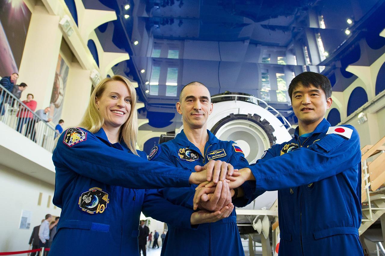 ทีมมนุษย์อวกาศ 3 ชาติ
