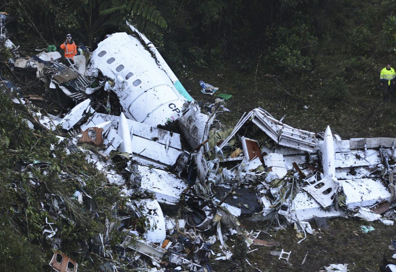 โศกนาฏกรรมเครื่องบินตก คร่าชีวิตนักบอลของ ชาเปโคเอนเซ ไป 19 คน