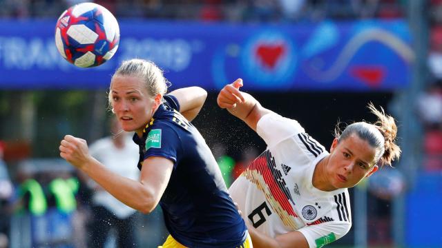 """10 ลีกยุโรปควงยูฟ่า แถลงโต้จัด """"ฟุตบอลโลก"""" ทุก 2 ปี แจงประเด็นขวางบอลหญิงเติบโต"""