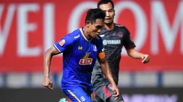 """""""ธีรศิลป์"""" ยิงทีมเก่า บีจีฯ เปิดบ้านเฉือนเมืองทอง 2-1 ศึกไทยลีก"""