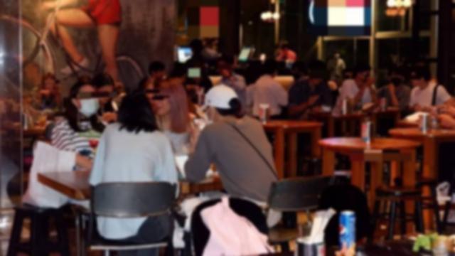 กทม. สั่งปิดร้านอาหาร 2 แห่ง หลังฝ่าฝืนกฎหมาย ให้ลูกค้าดื่มสุราภายในร้าน