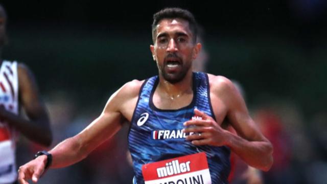 นักวิ่งฝรั่งเศสโต้ทันควัน ปัดล้มขวดน้ำตัดกำลังคู่แข่งในโอลิมปิก (คลิป)