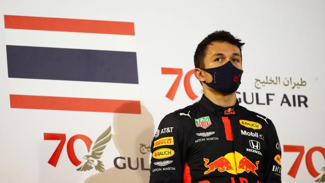 """3 สัญญาณวงการนักแข่ง เปิดทาง """"อัลบอน"""" มีหวังได้ขับ F1 มากขึ้นในปีหน้า"""