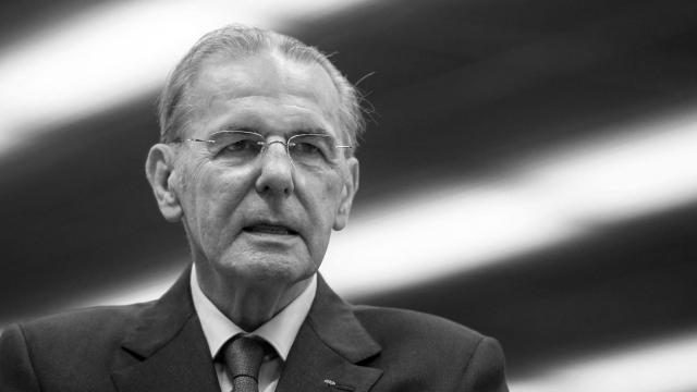 """คนกีฬาเศร้า """"ฌาคส์ ร็อกก์"""" อดีตประธานโอลิมปิกสากล เสียชีวิตในวัย 79 ปี"""