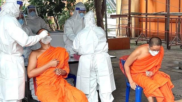 """""""นนทบุรี"""" โควิดตามหลอน พบรายใหม่ติดเชื้อป่วยทะลุ 512 ราย"""