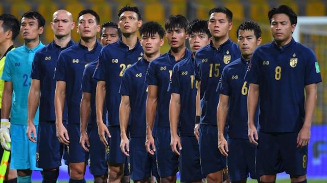 """2 แข้งทีมชาติไทย โพสต์ทันควัน หลัง """"นิชิโนะ"""" โดนปลดฟ้าผ่า"""