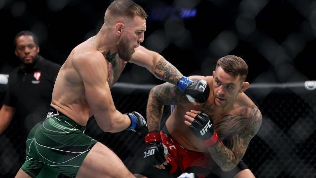 """แม็คเกรเกอร์"""" สุดซวย ขาหักยกแรก พ่าย """"ปัวริเยร์"""" ศึก UFC 264 (คลิป)"""