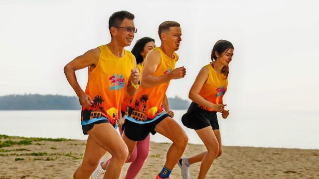 """""""ภูเก็ต ซันเซ็ท บีช รัน"""" ร่วมสร้างมิติใหม่ฉลองสงกรานต์ วิ่งบนชายหาด 11 เม.ย."""