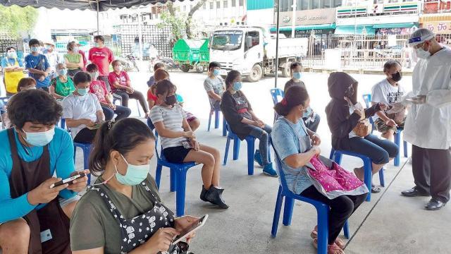 นนทบุรี ยอดโควิดยังสูง ป่วยเพิ่ม 108 ราย ส่วนใหญ่เชื่อมโยงตลาดสด