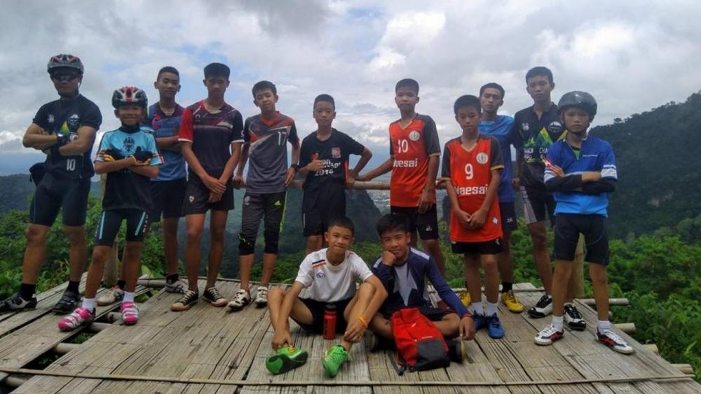 วงการกีฬาไทยร่วมยินดี! ทีมหมูป่า อะคาเดมี ทั้ง 13 คนกลับบ้าน