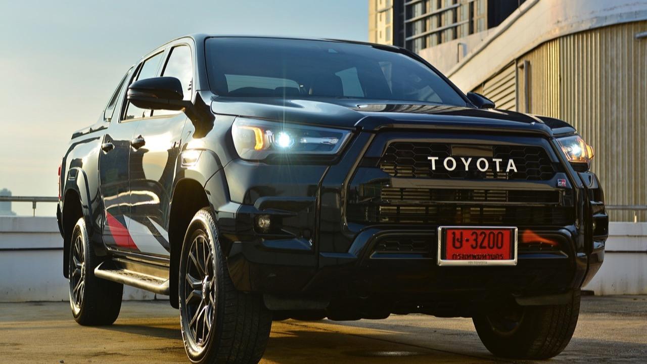 ลองของดี ขับสี่มีความสุด! ทดสอบ TOYOTA HILUX REVO GR SPORT 2.8 A/T 4x4