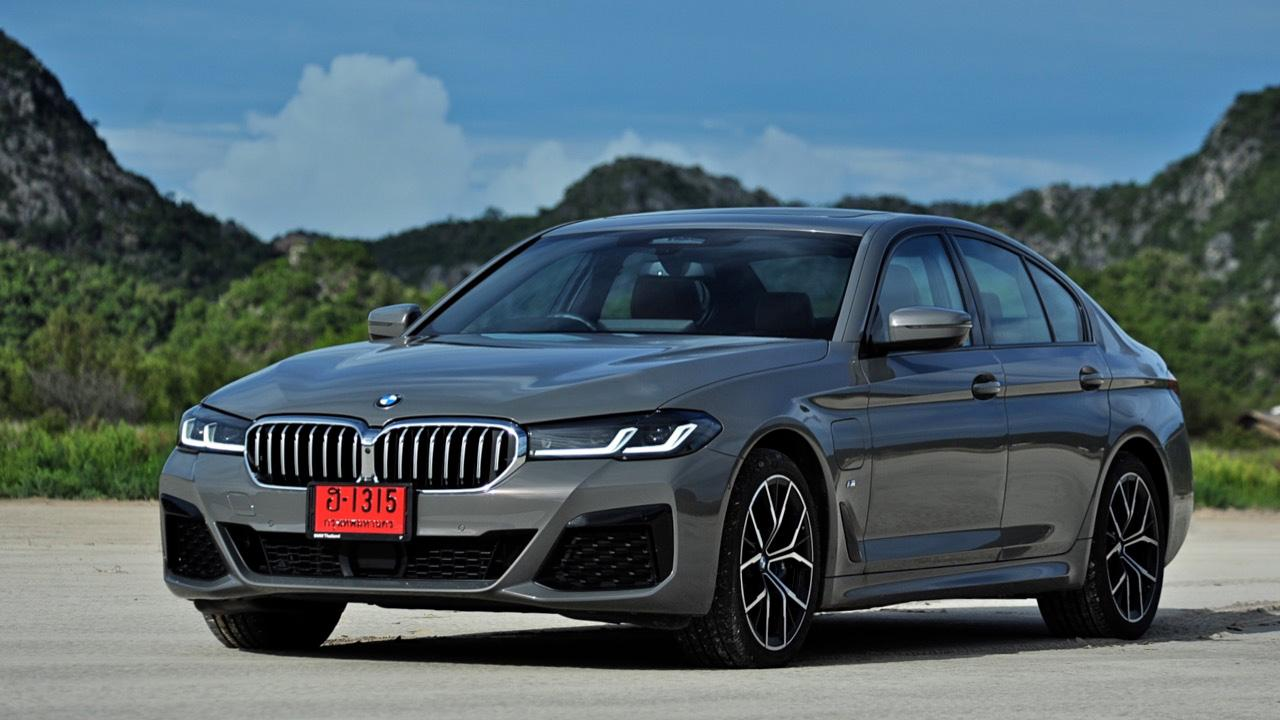 ดีขึ้นเกือบทุกจุด ทดสอบรุ่นปรับโฉม BMW 530e M SPORT PLUG IN HYBRID LCI 2021