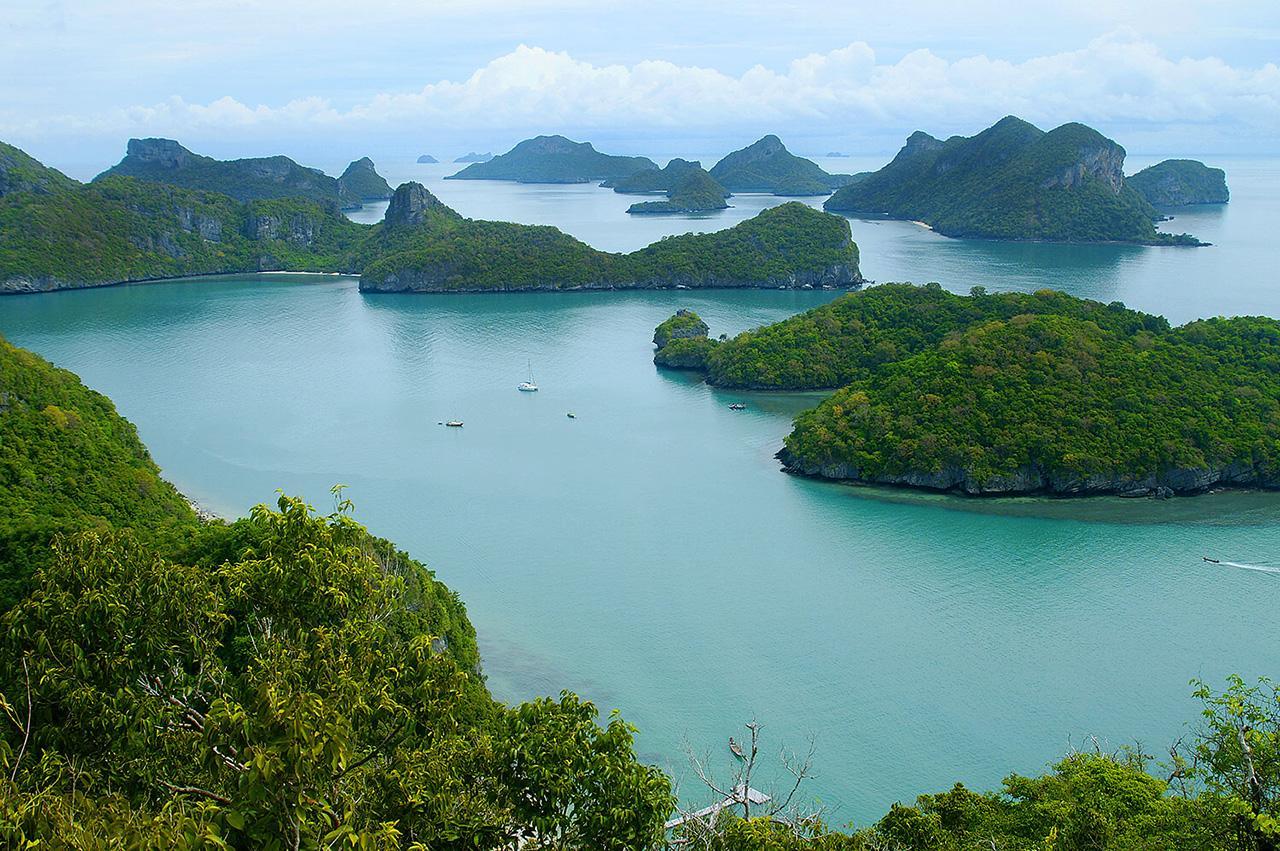 มุมสูงของหมู่เกาะอ่างทอง จ.สุราษฎร์ธานี