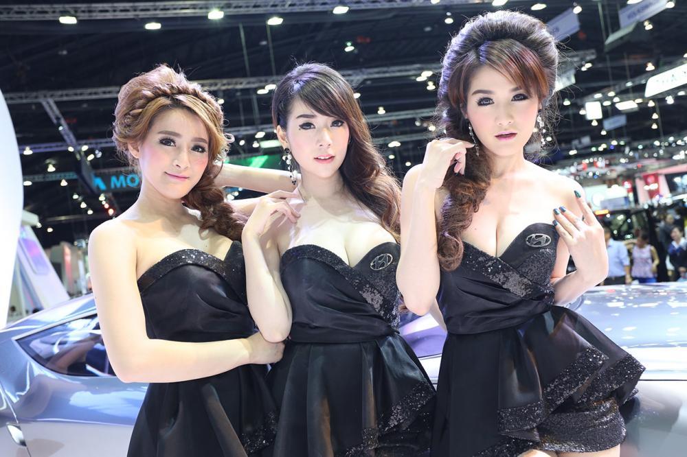 3 สาวรูปร่างเล็กคุณภาพอลังการ