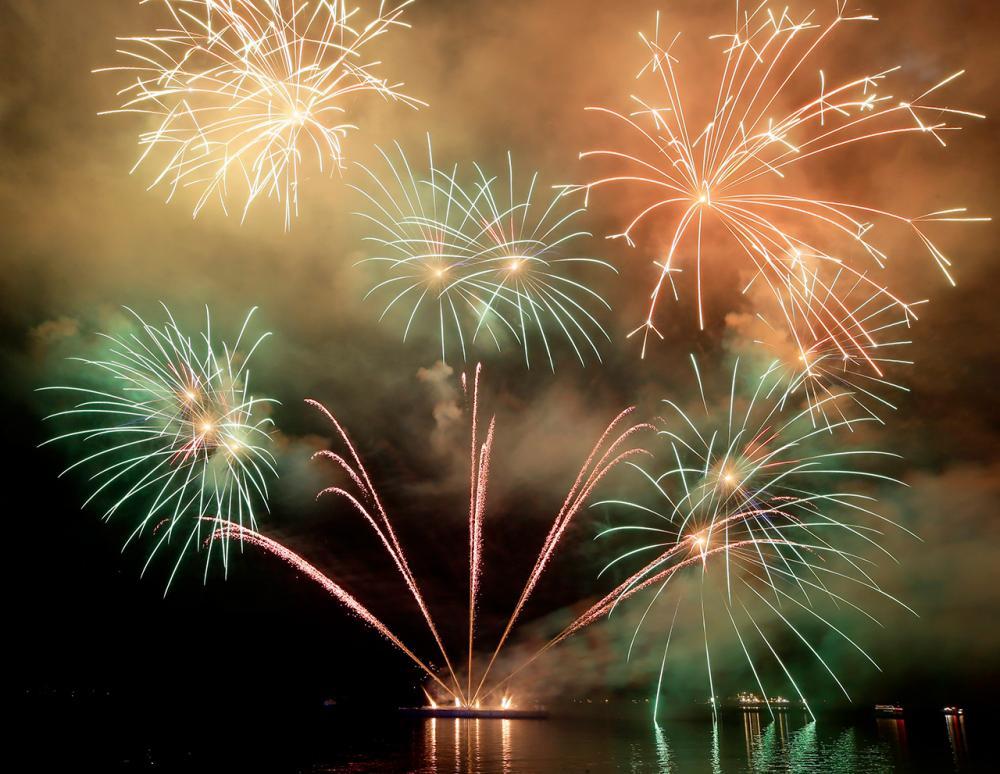 พลุไฟถูกจุดขึ้นเพื่อต้อนรับวันปีใหม่ ที่กรุงมะนิลา