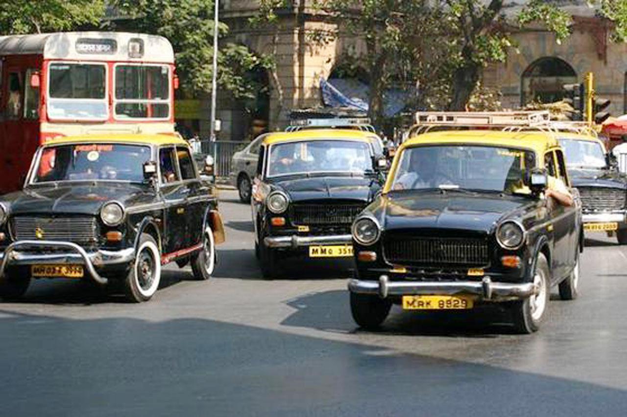 แท็กซี่อินเดียรุ่นเหลือง-ดำ