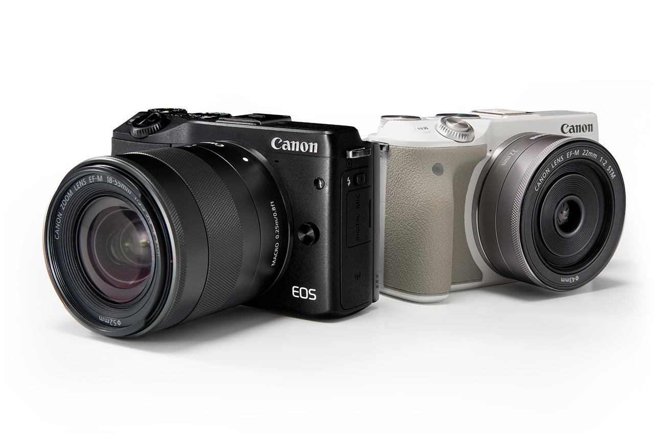 EOS M 3 มีให้เลือก 2 สี สีดำ และสีขาว (สังเกตุด้านข้างซ้ายมือมีปุ่นเปิดแฟลชในตัว)