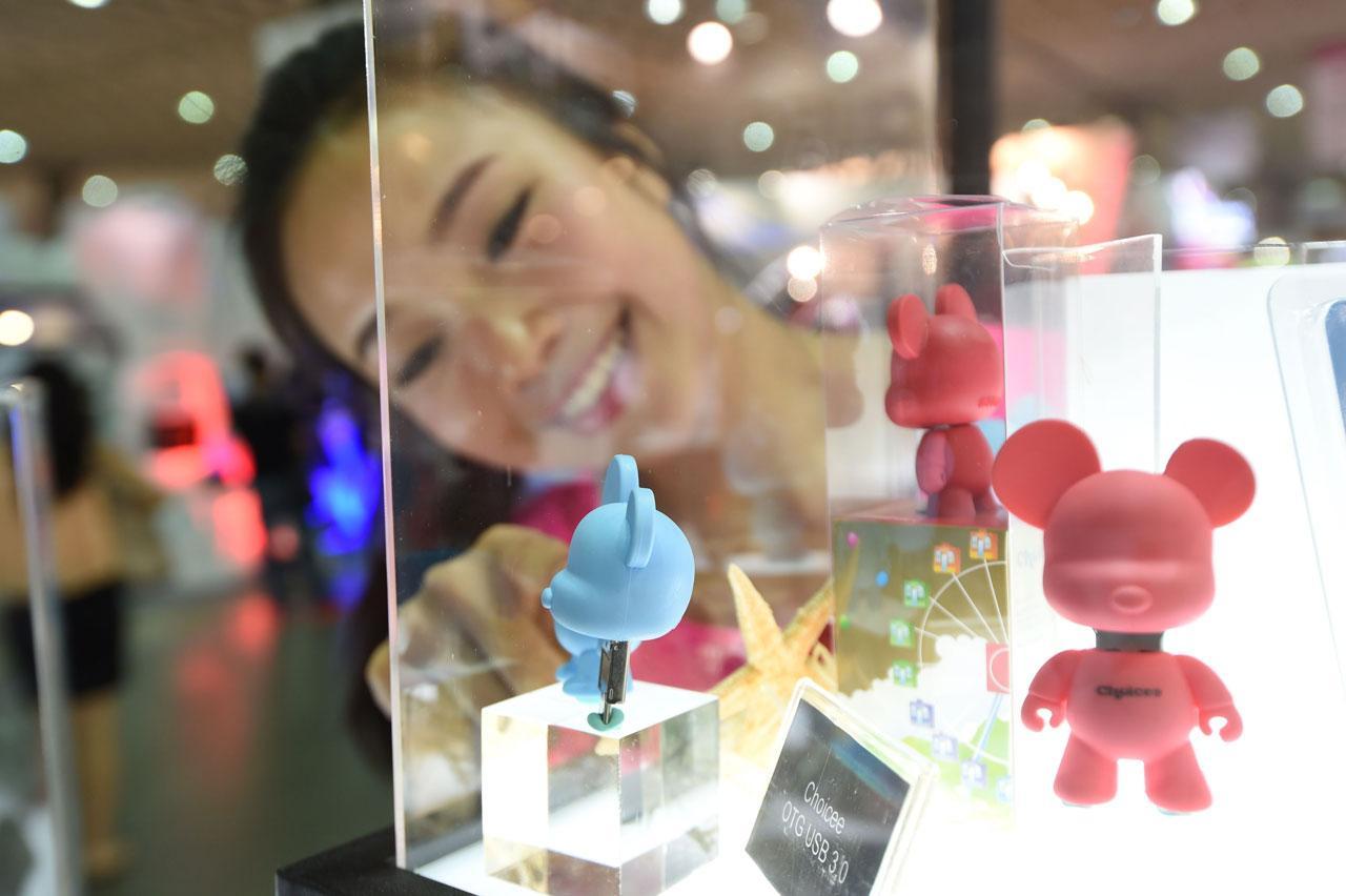 แฟลชไดร์ฟ USB 3.0 ที่เป็นรูปตุ๊กตาหมี