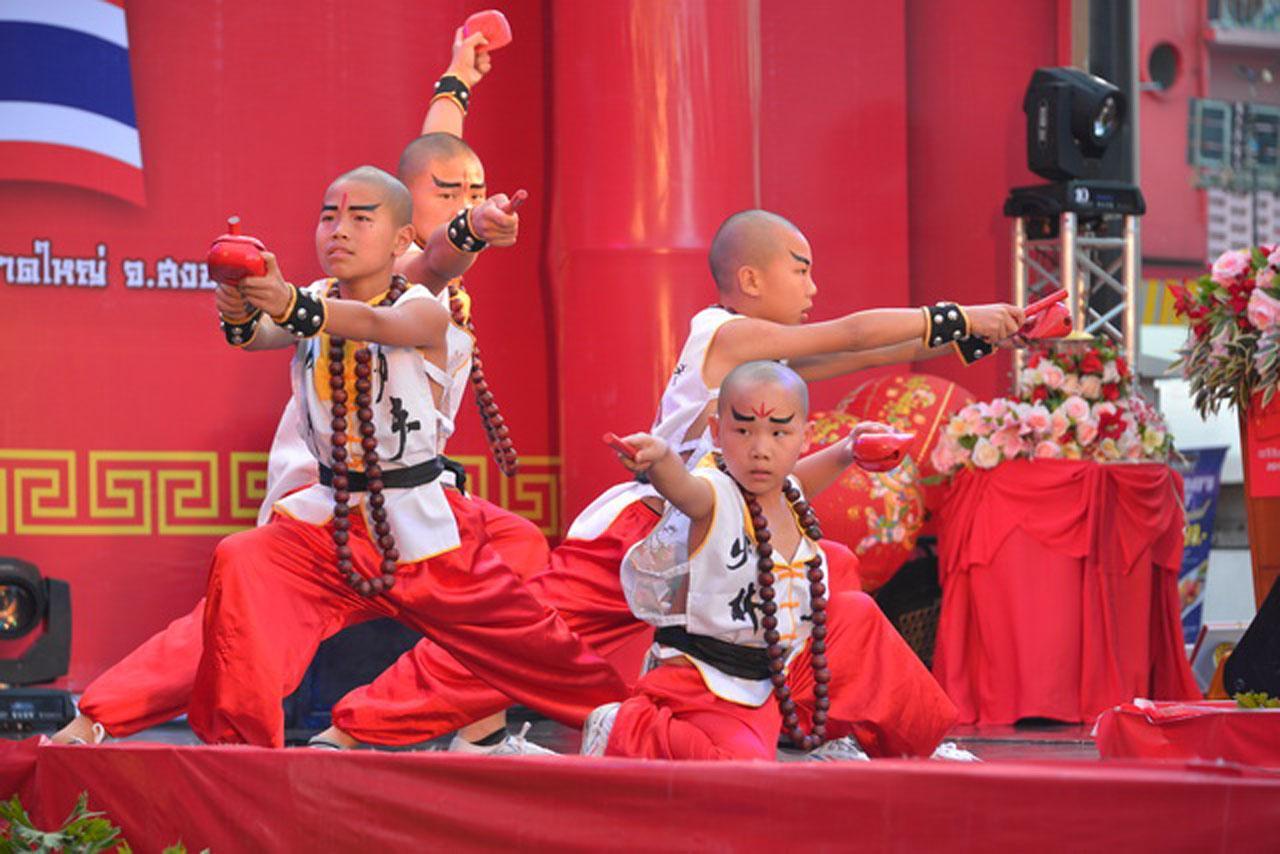 เยาวชนจีนโชว์ศิลปะการต่อสู้