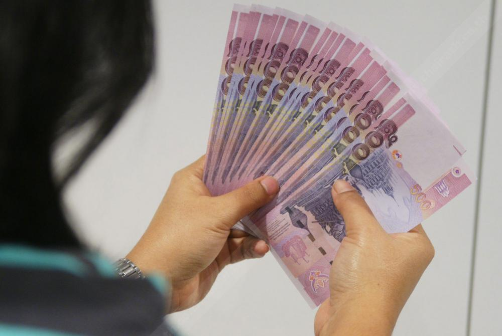 ด้วยเงินเป็นปัจจัยหลัก ผันตัวเองเป็นโต๊ะบอล