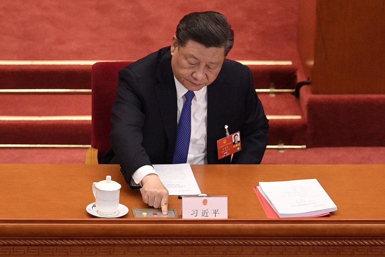 สี จิ้นผิง ประธานาธิบดีจีน ลงนามบังคับใช้กฎหมายความมั่นคงแห่งชาติแล้ว