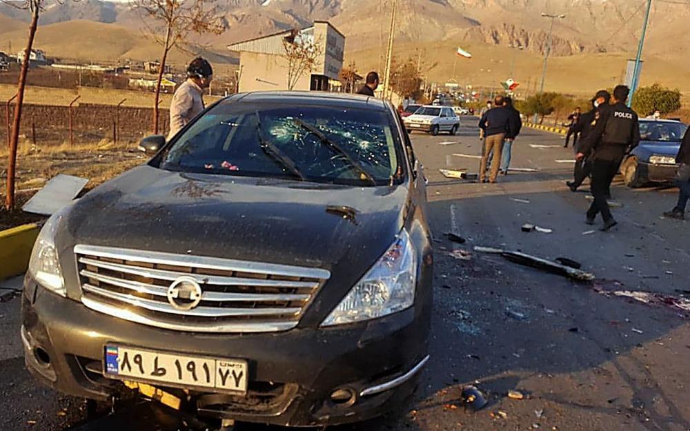 สภาพรถยนต์ของนายโมห์เซน ฟาครีซาเดห์ นักวิทยาศาสตร์นิวเคลียร์ระดับสูงอิหร่าน หลังถูกดักซุ่มโจมตี ลอบสังหารนอกกรุงเตหะราน เมื่อ 27 พ.ย.63