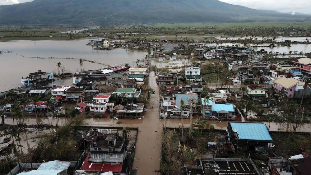 น้ำท่วมบ้านเรือนที่เมืองมาลิเนา จังหวัดอัลเบย์