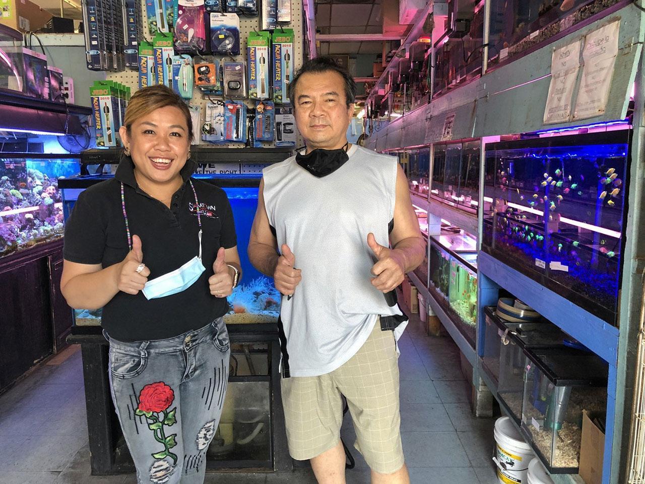 ขายปลาสวย อนันต์ เจ้าของร้านขายปลาสวยงามราคากันเอง เปิดให้บริการมากว่า 24 ปี อยู่บนถนนซานตามอนิกา แอล.เอ. สหรัฐฯ มีทั้งปลาน้ำจืด ปลาน้ำเค็มจากไทย มาเลเซีย สิงคโปร์.