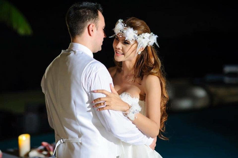 คุณน้ำ ณิชาภา เดอ เมเยอร์ ในวันแต่งงาน