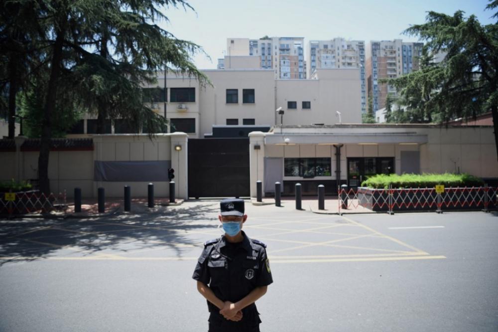 จีนปิดสถานกงสุลสหรัฐอเมริกาในเมืองเฉิงตู