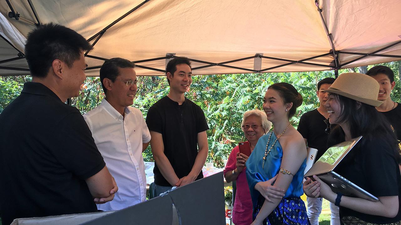 """เทศกาลไทย ศักดิ์สีห์ พรหมโยธี กสญ.ณ นครชิคาโก สหรัฐฯ เข้าร่วมงาน """"Thai Festival 2017"""" ซึ่ง สกญ. ณ นครชิคาโก ร่วมกับ Olbrich Botanical Society จัดขึ้นที่ Olbrich Botanical Gardens เมืองเมดิสัน รัฐวิสคอนซิน."""