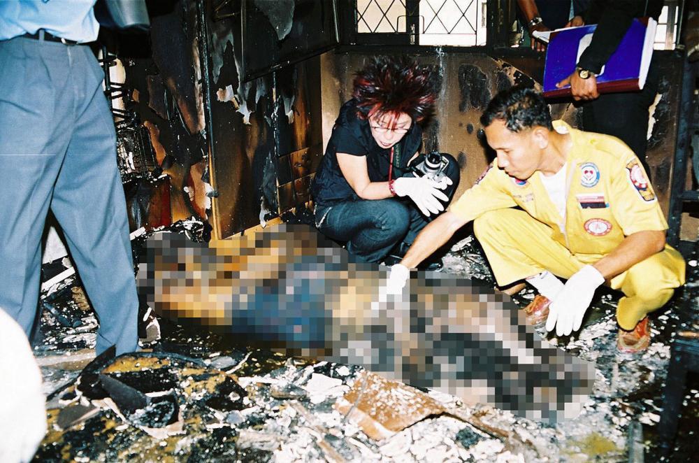 คดีในอดีตถูกไฟคลอกตายเพราะลูกกรงเหล็กดัดเช่นกัน (แฟ้มภาพ)