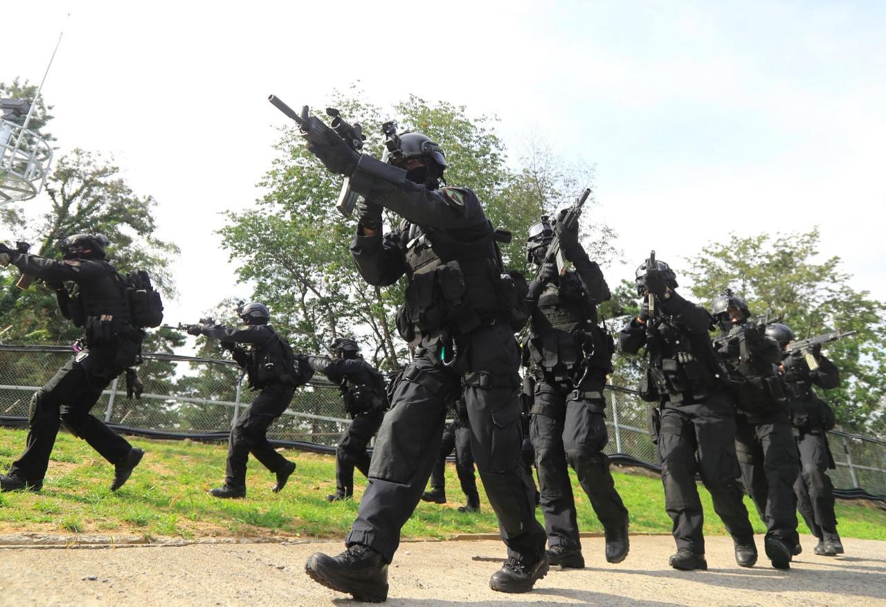 ทหารกองกำลังป้องกันนครหลวงของเกาหลีใต้ฝึกซ้อมทางทหารในกรุงโซลเมื่อ 4 ก.ย.