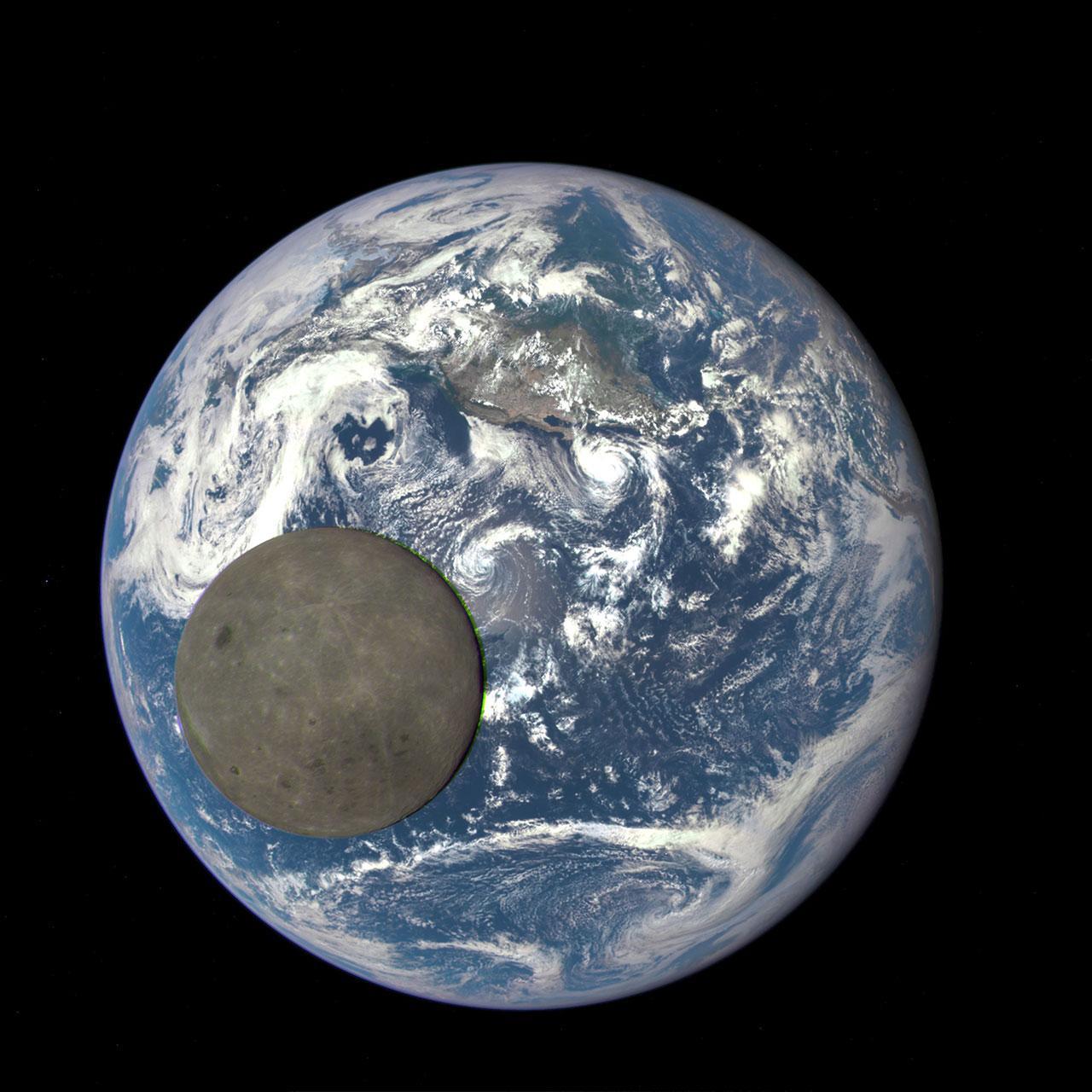 ภาพถ่ายด้านหลังดวงจันทร์ ที่คู่ขนานกับโลก