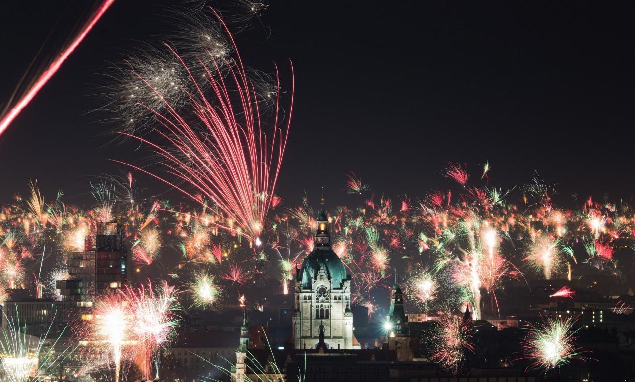 เยอรมนีจุดพลุฉลองปีใหม่ทั่วเมืองฮันโนเวอร์