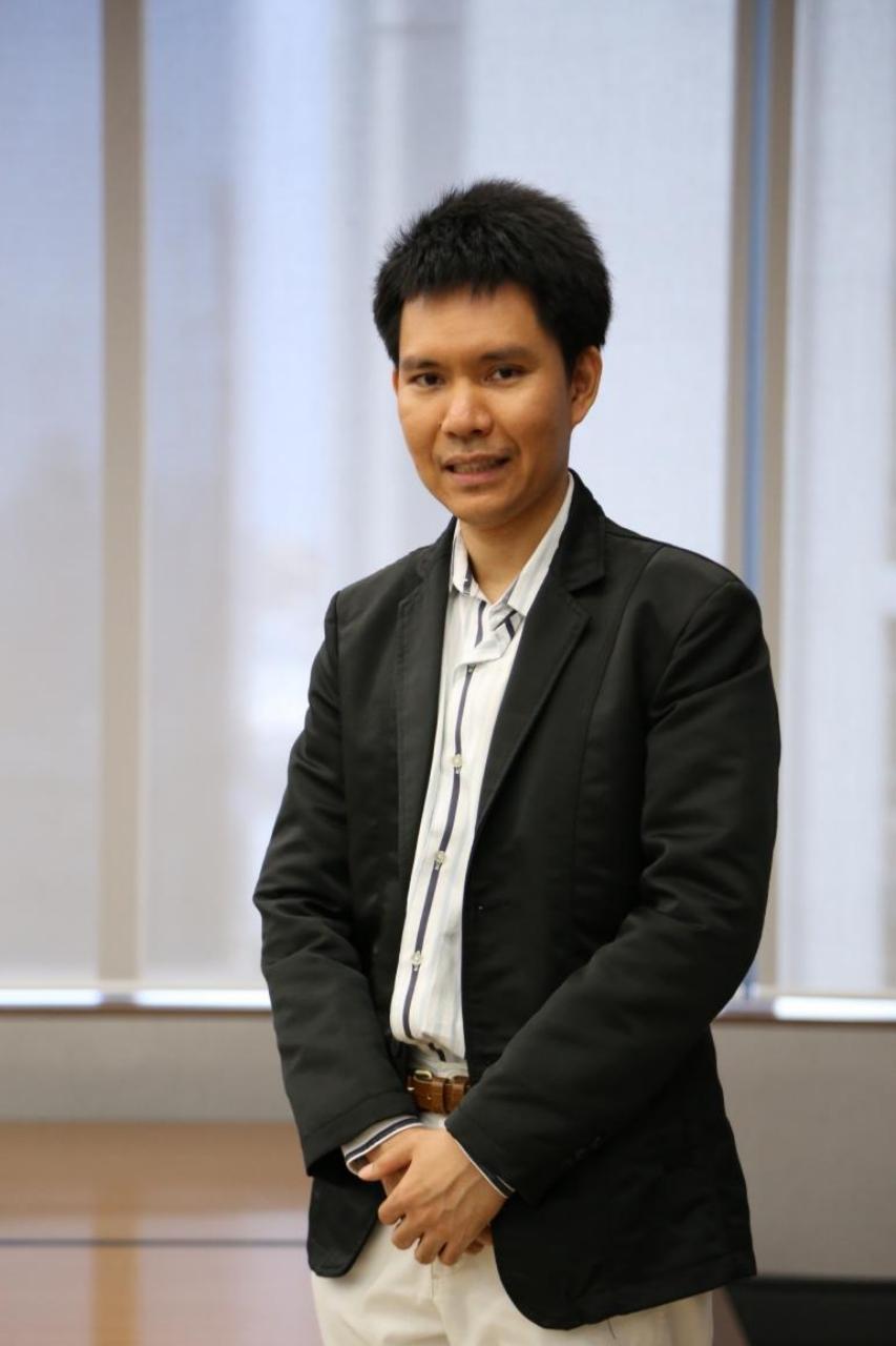 รศ. คณาธิป ทองรวีวงศ์ ผู้อำนวยการสถาบันกฎหมายสื่อดิจิทัล มหาวิทยาลัยเกษมบัณฑิต