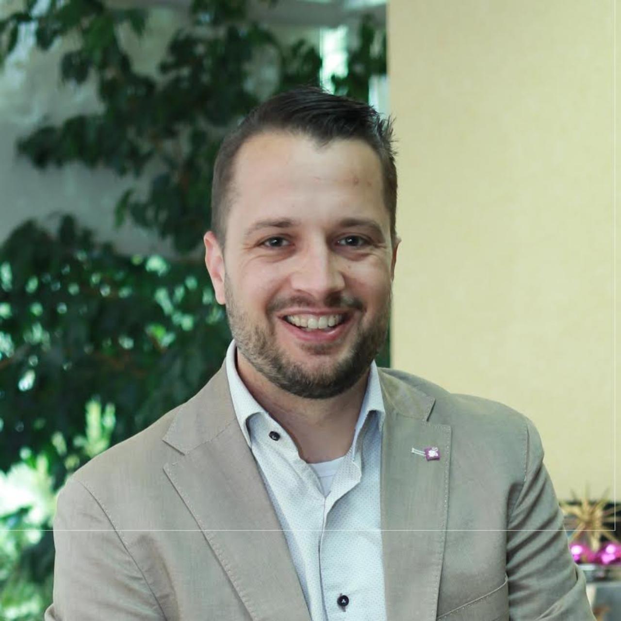 บาส เดอ โวส ผู้อำนวยการกลุ่มนักคิดด้านเทคโนโลยีภายในองค์กร ของ ไอเอฟเอส แลบส์ บริษัท ไอเอฟเอส