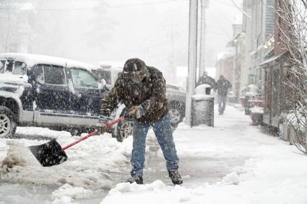 หิมะตกหนักที่เมือง เวสต์ สต็อกบริดจ์ รัฐแมสซาชูเซตส์