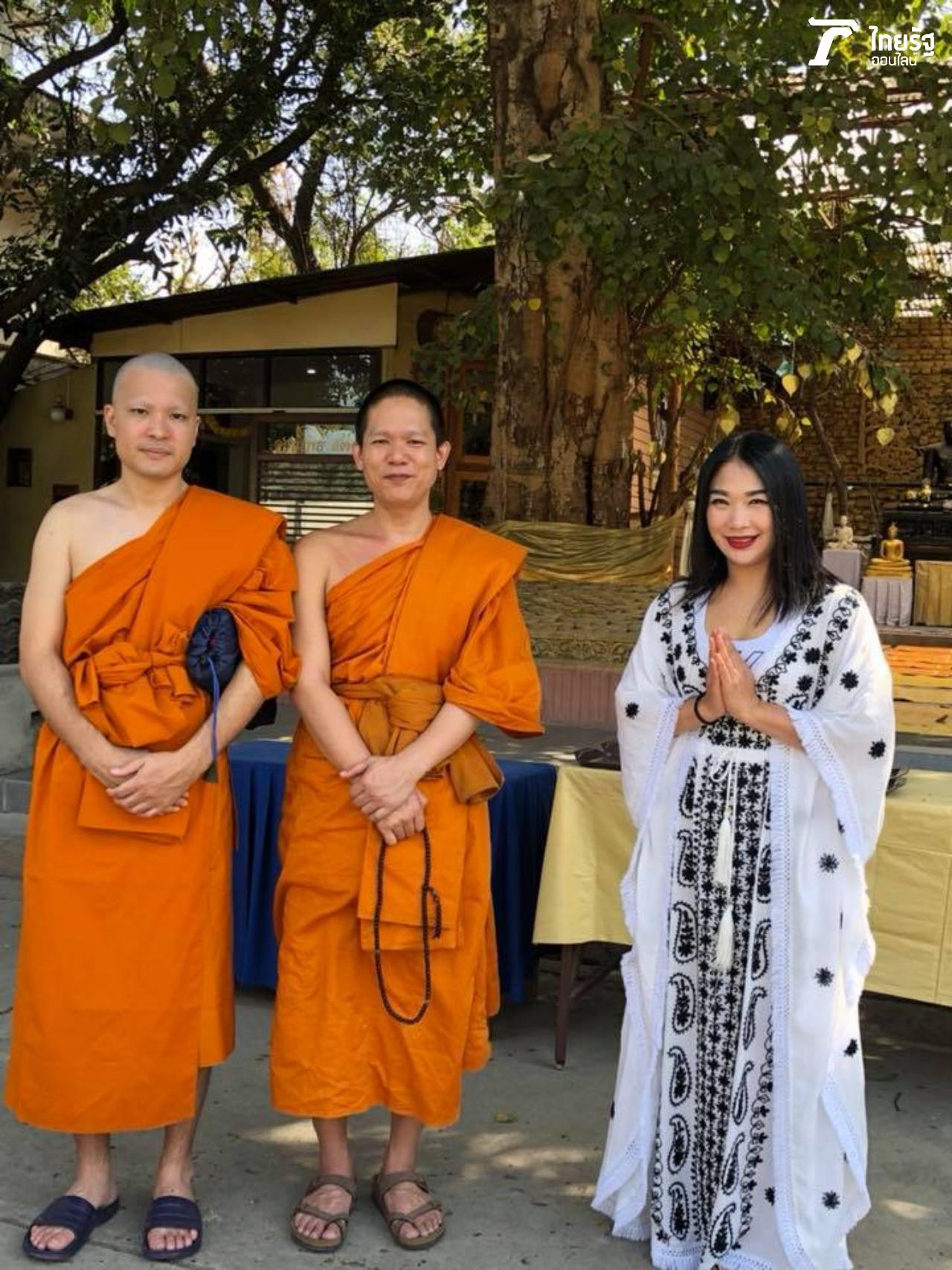 (ท่านกลาง) ท่านป้อม พระครูปลัดโพธิวงศ์วรวัฒน์ (ปิโยรส) เลขานุการเจ้าสำนักเรียน วัดไทยพุทธคยา