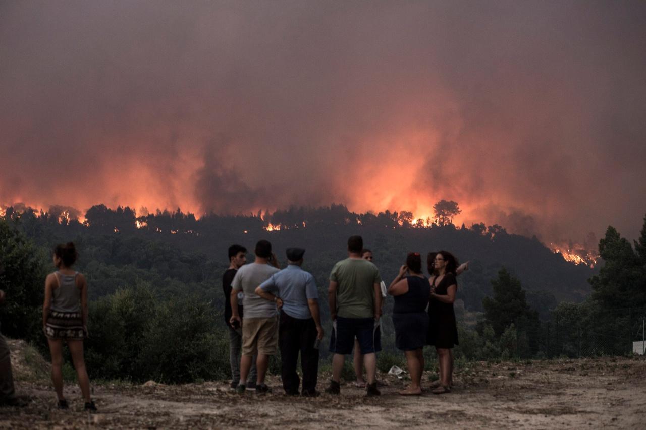 ไฟป่าที่จังหวัดมอนชิเก ของโปรตุเกส