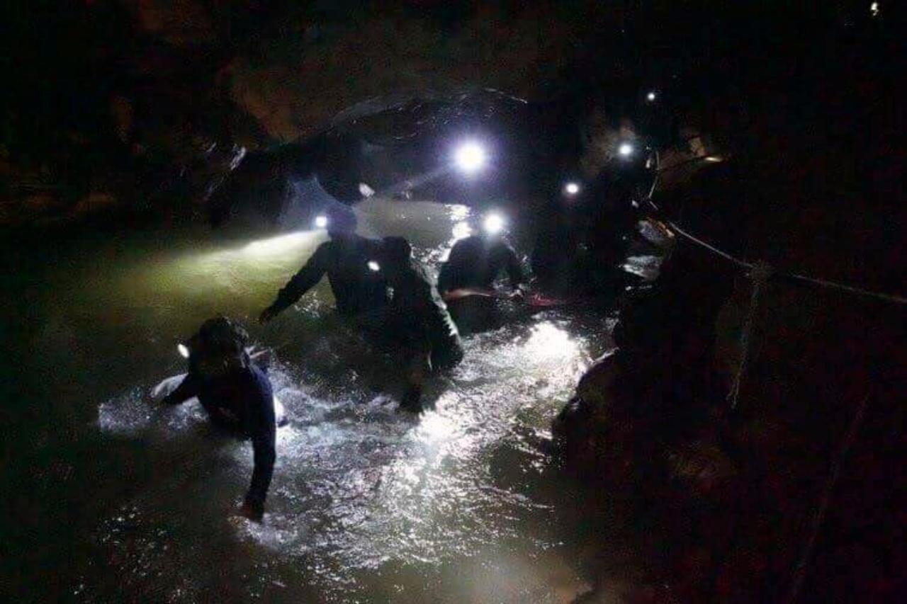 ทีมค้นหาดำน้ำในถ้ำหลวง