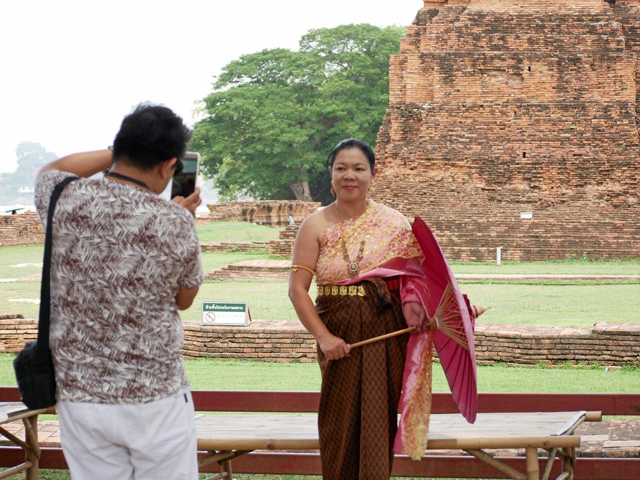 สื่อเวียดนามถ่ายทำสารคดีเยี่ยมชมโบราณสถานของไทย จ.พระนครศรีอยุธยา.