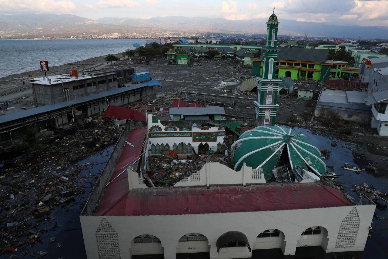มัสยิดและอาคารริมทะเลของเมืองปาลู ถูกคลื่นสึนามิทำลาย