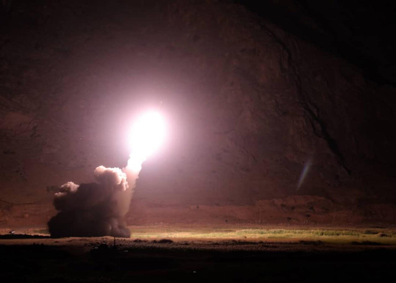 กองกำลังพิทักษ์การปฏิวัติอิหร่านเผยแพร่ภาพการยิงขีปนาวุธโจมตีเป้าหมายในซีเรีย แต่ไม่เปิดเผยสถานที่