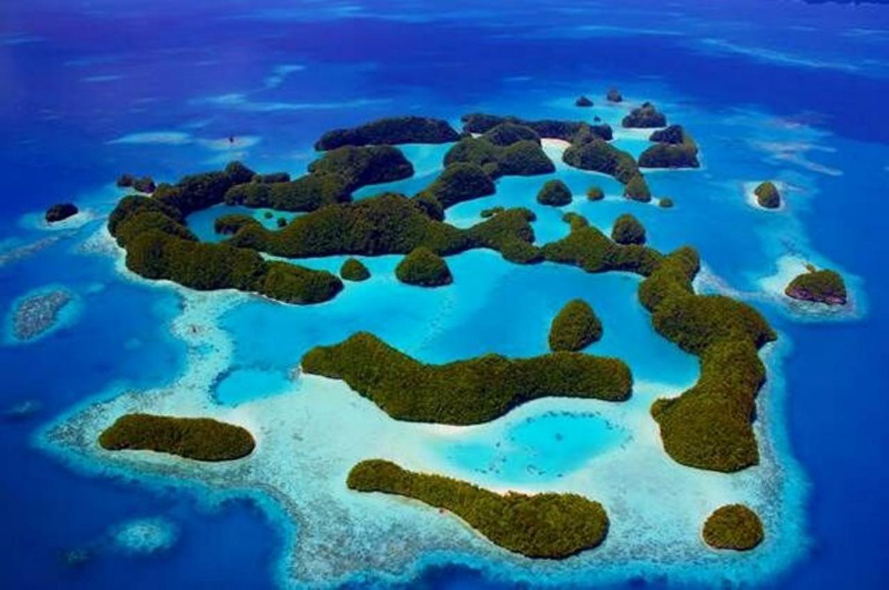 เกาะในประเทศปาเลา ในมหาสมุทรแปซิฟิก