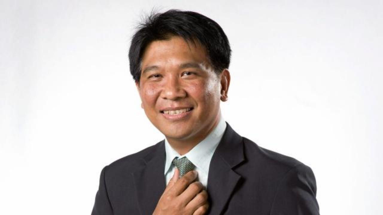 ผศ.ดร. ธนวรรธน์ พลวิชัย กรรมการสลากกินแบ่งรัฐบาล