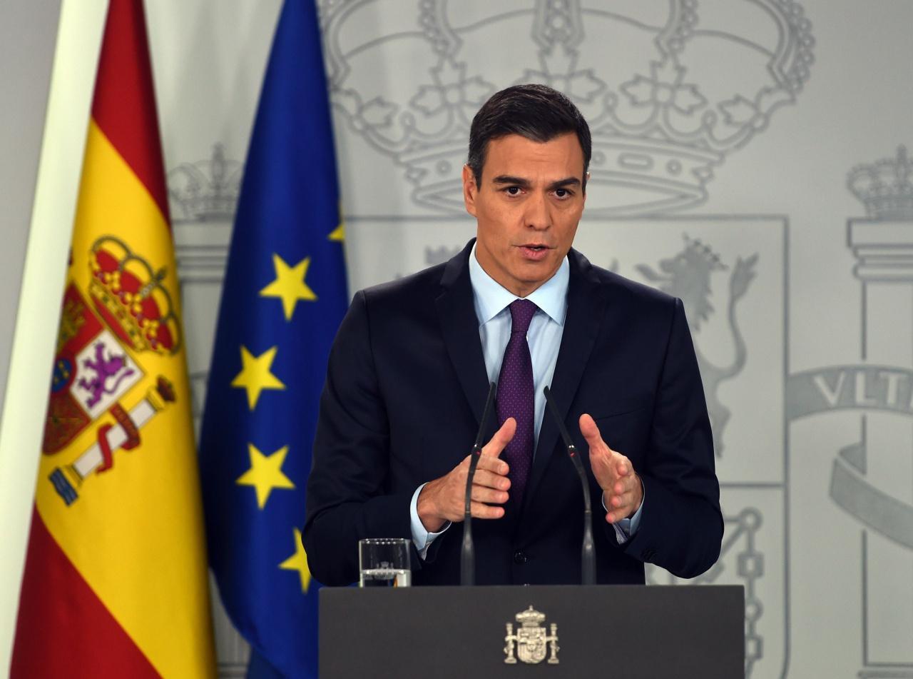 นายกรัฐมนตรีเปโดร ซานเซส แห่งสเปน ประกาศรับรองนายฮวน กวัยโด ในฐานะประธานาธิบดีรักษาการเวเนซุเอลา โดยกล่าวว่าสเปนกำลังทำงานร่วมกับชาติพันธมิตรในยุโรป เพื่อนำประชาธิปไตยในเวเนซุเอลากลับคืนมา