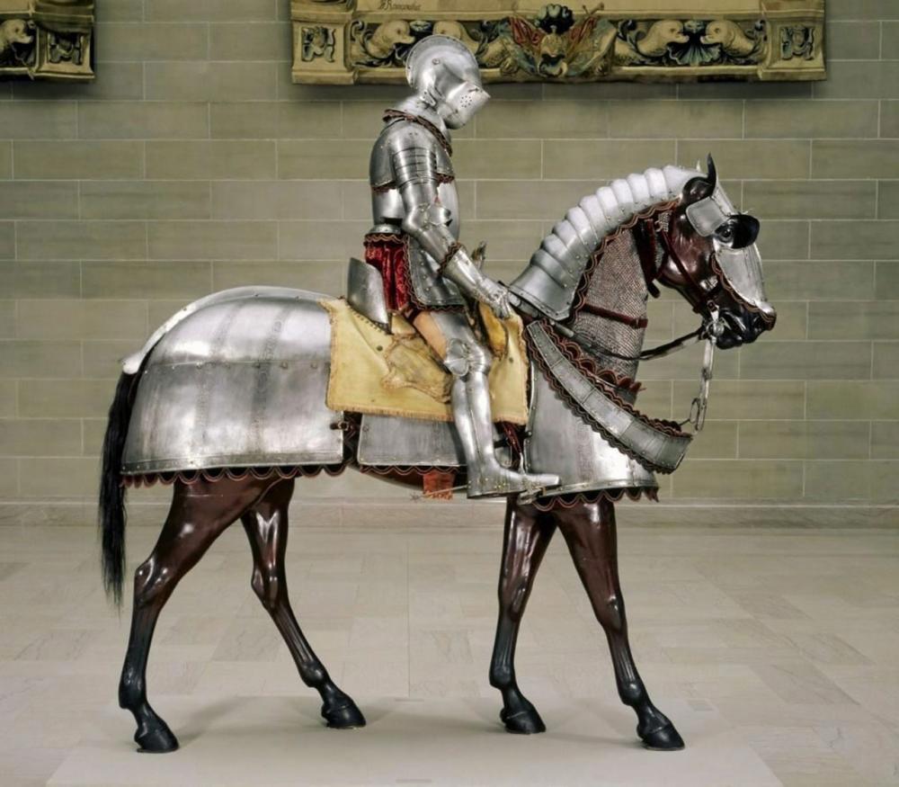 ชุดเกราะของอัศวินและม้าศึก.