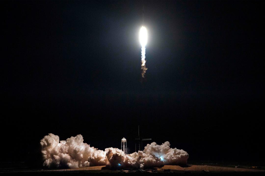 บริษัทสเปซเอ็กซ์ ยิงจรวด ฟัลคอน 9 นำยานแคปซูล ดรากอน (ไร้นักบิน)ไปยังสถานีอวกาศนานาชาติ เป็นครั้งแรก